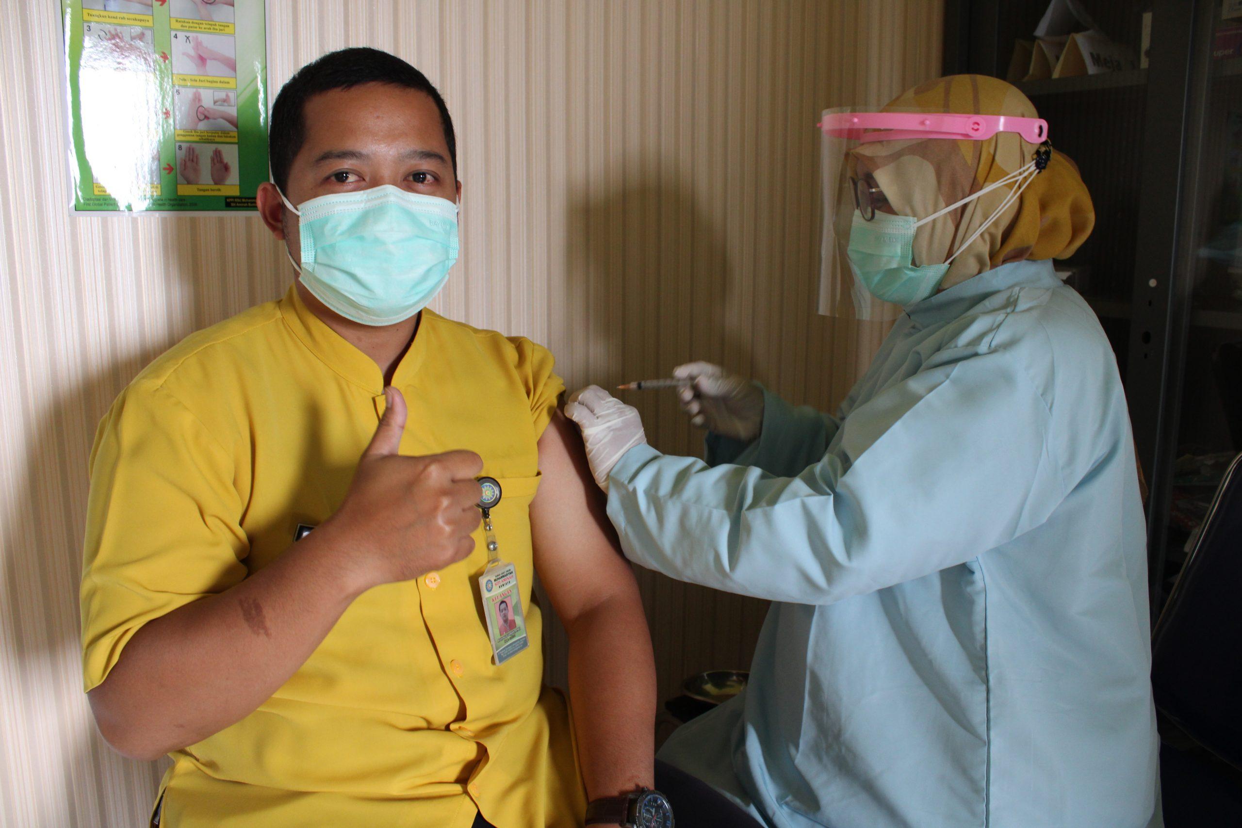 Pelaksanaan Vaksinasi Moderna kepada Nakes dan Karyawan RSUM Siti Aminah